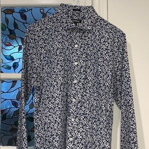 slim M shirt from express. Flowered classy style